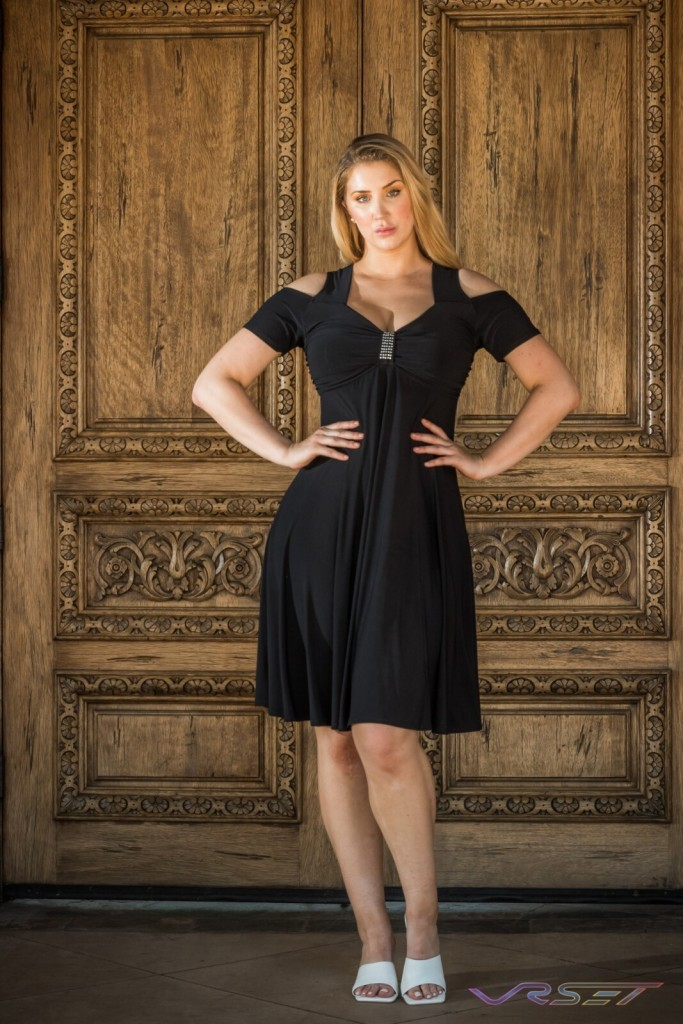 Curvy Model Strapped Sleeved Black Dress LookBook Plus Size Photographer LA