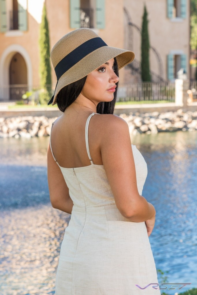 LookBook DelrayPalm Khaki Summer Hat Brunette Model LA